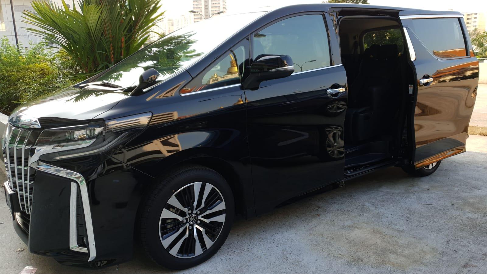 Maxi Cab Limousine Services Singapore